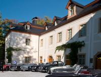 Oldtimer vor Schloss Wernersdorf (Bildquelle: Christopher-Jan Schmidt)