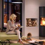 Heizen mit Holz: Vielfache Freude vorm prasselnden Kaminfeuer