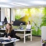 Im Büro unterstützt Human Centric Lighting (HCL) die Mitarbeiter und sorgt für Wohlbefinden. (Bildquelle: Foto: licht.de/Osram)