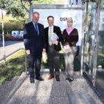 Sven-David Müller und Dr. Manuela Schüngel heißen Minister Björn Thümler willkommen