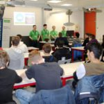 """Die Mitarbeiter von Controlware halten auf der Ausbildungsmesse den Vortrag """"Gaming in der Cloud""""."""
