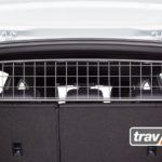 Bestens gerüstet für Hunde oder Gepäck im Heck. Der Travall® Guard für Volkswagen T-Cross ist da.