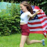 USA Koch 2015.07 5410 mit US-Flagge im Garten aq 300g