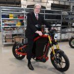 Brandenburgs Wirtschaftsminister Jörg Steinbach auf dem eROCKIT