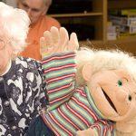 Weihnachtsspende für hörgeschädigte Senioren