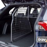 Perfekt ausgestattet für Hund und Gepäck im Heck. Der Travall® Guard für Toyota RAV4 ist da.