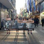 """""""Lieber nackt als Pelz"""" unter diesem Motto haben Aktivisten vom Tierschutzbüro splitterfasernackt demonstriert"""