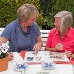 Kommunikation ist das Handwerkszeug der Senioren-Assistenten