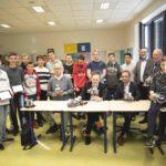 Die Schüler aus dem Robotik-Kurs der Adolf-Reichwein-Schule.