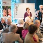 Menschen 65+ lernen mit Spaß die Nutzung digitaler Produkte 7. Versilberer Party in Berlin