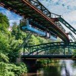 Die Wuppertaler Schwebebahn: Schweben durch Kleben
