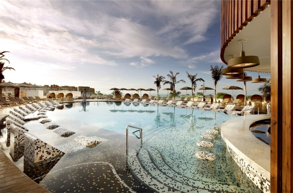 Pool des Hard Rock Hotel Tenerife